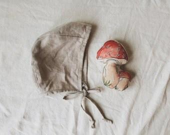 Natural Linen Bonnet / Basics Collection