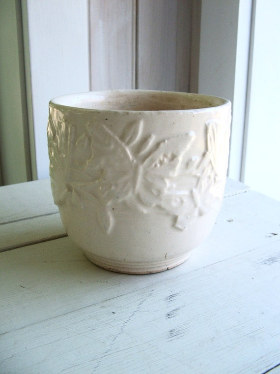 Vintage Nelson Mccoy Usa White A Pottery Planter Butterfly