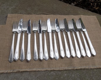 Vintage PARAMOUNT Silver Plate Flatware Set of 16 Silver Knives Forks Wedding Decoration Table Decor Art Deco French Country Set of 16