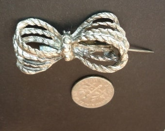 Little Rope Bow Pin