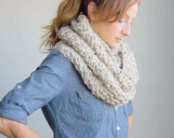 Chunky Hand Knit Scarf / Infinity Loop Circle Scarf / ~ Oatmeal ~ No. 1010