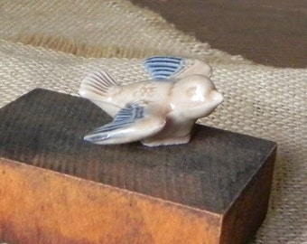 Vintage collectible Wade bird swallow blue light brown from Rose tea English ceramic animal figurine FREE SHIPPING Active