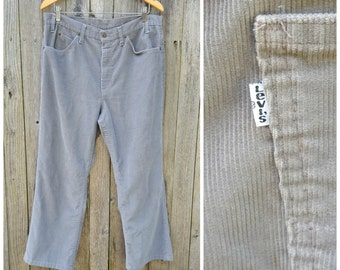 """Vintage Levi's Jeans  //  Vtg 70s 80s Made in the USA Levis 517 Distressed Gray Corduroy High Waist Boot Cut Flares  //  35"""" waist"""