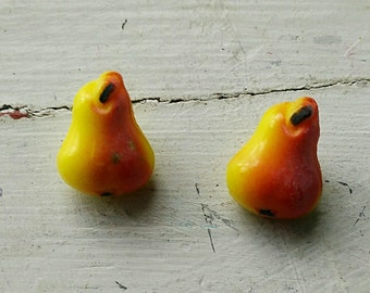 VINTAGE PEAR BUTTONS