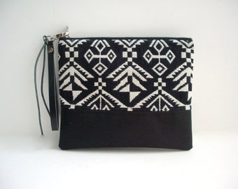 Cool Clutch Bag, Wristlet, Aztec Bag, Tribal Print Bag, Boho Bag, Black and White Clutch, Casual Clutch Bag, Purse, Geometric Wristlet