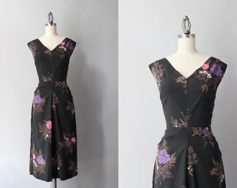 Vintage 50s Dress / 1950s Black Floral Wiggle Dress / 1940s Deep V Black Rose Print Dress