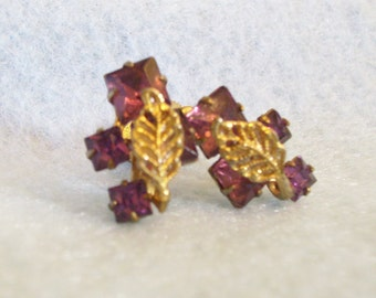 Amethyst Rhinestones Filigree Gold Plated Leaf Purple Screw Back Earrings Vintage 50s Delicate