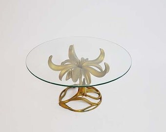Hollywood Regency Table / Vintage Hollywood Regency Lily Table