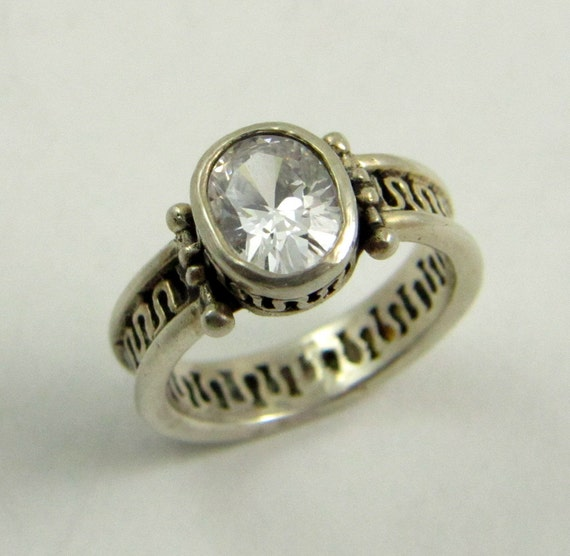 Vintage Sterling Silver Filigree Clear Crystal Solitaire Ring
