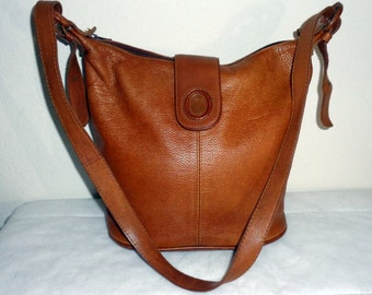 Reserved for Meg UNISA genuine leather med size cross body bucket style purse, handbag, tote , long strap  vintage 90s excellent cond