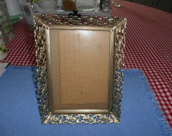 Vintage Gold Metal 5X7 inch picture frame