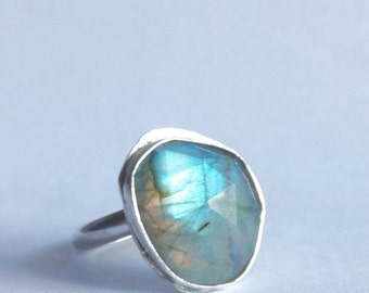 Green Labradorite Ring - Size 9