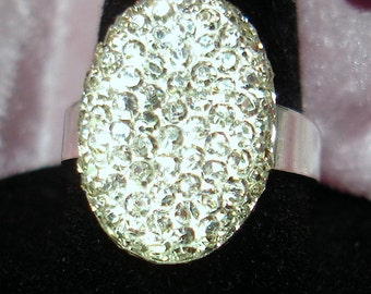 Sparkly Crystally Oval Acrylic Cab Ring - R145