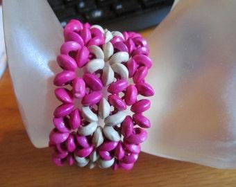 wood beaded  pink bracelet
