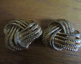 eternity knot shoe clips