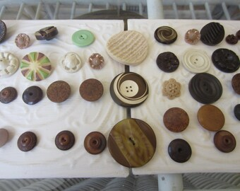Vintage Buttons - Cottage chic mix of assorted browns, tans lot of 44 old and sweet(apr402b)