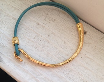 Leather and Gold Bracelet