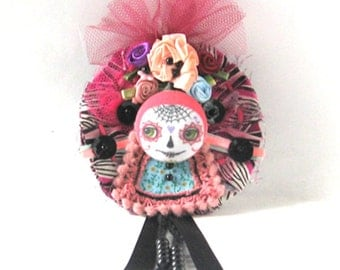 Day of the Dead Pin, Halloween Pin, Art Doll Brooch, Sugar Skull Pin, Button Brooch, Hand Stitched Pin, Lapel Pin