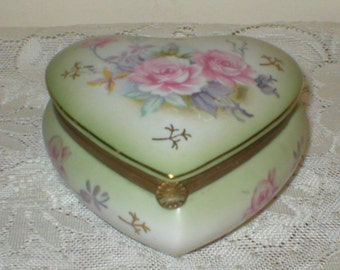 Lefton Jewelry Trinket Box Puffy Heart Porcelain Pink Cabbage Roses Vintage