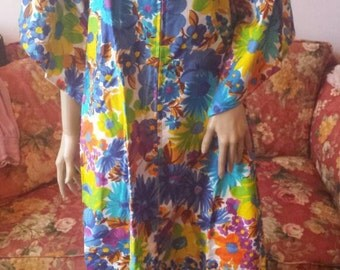 Vintage 1970s Cotton Caftan..Bold Flowers...Front Zipper with Tassel...NOS...Medium