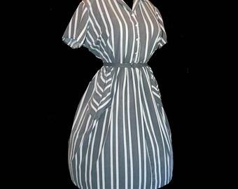Vintage 50s grey white stripe cotton print full skirt day dress XXL