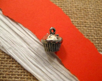 Antique Pewter Muffin or Cupcake Charm from Quest Beads and Cast