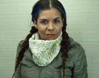 Cowl in Soft White Scarf