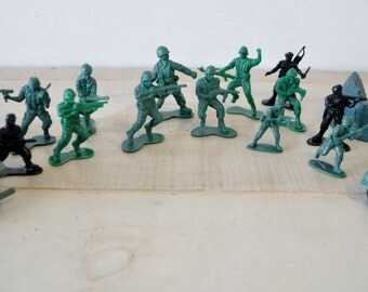 vintage army soldier men plastic toy--childrens room decor