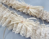 Venise Lace Wedding Garter Set Ivory Lace Garter Set Blush Pink Pearl Wedding Bridal