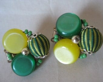 Green Yellow Earrings Clip Cluster Gold Thermoset Vintage