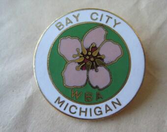 WBA Apple Blossom Pin Brooch Vintage Gold Enamel Pink Green White Bay City, Michigan