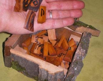 Alder Wood Rune Set and Oak Wood Box
