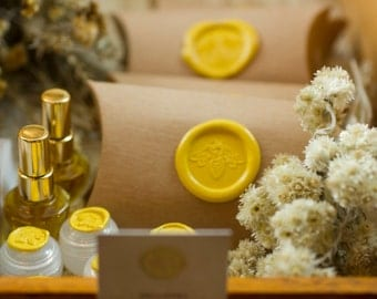 Mellifera Solid Natural Perfume for the Naturalist - 8.7 grams in a round tin - Wild meadows & honey bees - Eco luxe fragrance