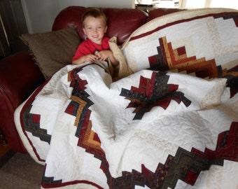 Handmade Log Cabin Quilt with a Flannel Back, Homemade quilt, Traditional quilt, Old fashion quilt, Scrappy, Twisted Log Cabin, curved quilt
