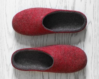 Husband gift Wool slippers Minimalist rustic style felted organic wool dark grey deep red house shoes for men Valentine's day gift for him