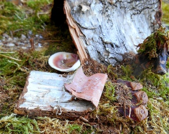 Woodland Fairy Campsite, Mossy Forest Camp with Tent, fireplace, accessories, Miniatures