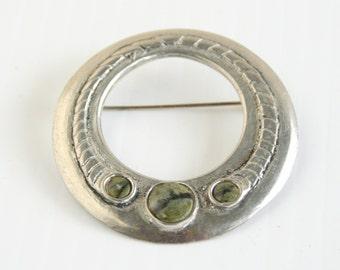 Vintage Circle Kilt Brooch Pin Green Jasper Cabochons Open Pewter Silver Circle