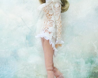 jiajiadoll white layered lace shirts for Momoko or Misaki or Blythe or Middie Blythe or ob27 ob23