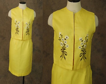 CLEARANCE Sale vintage 60s Suit -  1960s Yellow Embroidered Pencil Skirt and Vest Set Sz S