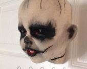 Wall walking dead zombie head planter a ceramic Halloween wall pot bizarre and spooky #040116