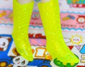 Blythe Fluro Yellow with splinter glitter Witchy Boots