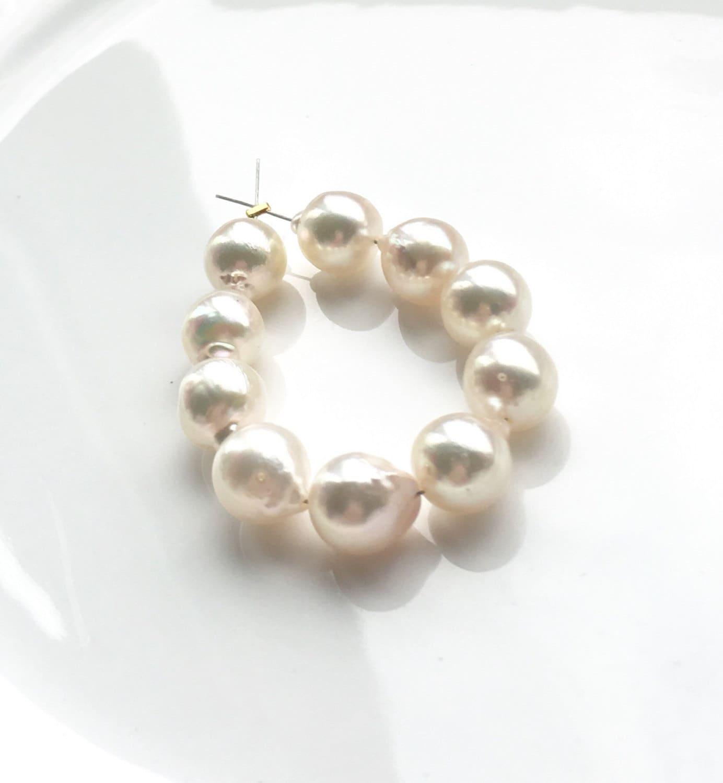 gorgeous high lustre baroque white akoya pearls mini. Black Bedroom Furniture Sets. Home Design Ideas