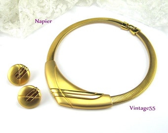 Napier Necklace Collar Gold tone Earrings clip on