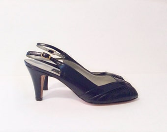 vintage 1970's shoes // NOS stiletto high heels //  navy blue leather 7.5 N by Amalfi made in Italy