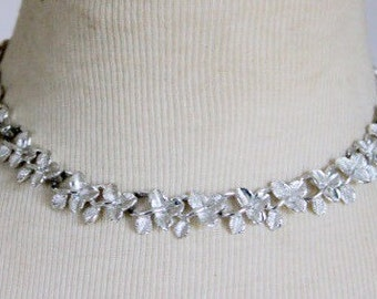 Vintage Necklace Leaf Silver Tone 1960s
