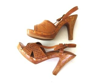vintage 1970s wooden sandals Leather sandals High heel sandals Peep toe pumps Tall Wood Heels Retro Hipster Disco Shoes