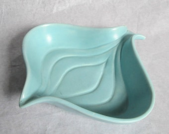 Vintage and Kitsch Blue Pottery Onion Dish