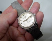 Bulova Stainless Watch - 1960s - Silver Starburst Crosshair Dial - Date window - 1965 - Mesh Band - Stainless Steel