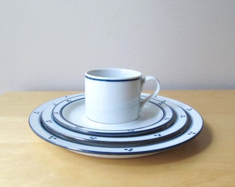 dansk Fredriksborg 4 piece place setting- dinner plate - salad plate - cup and saucer bistro blue stripe