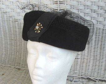 Peachblom Velour Black Wool Felt and Net Ladies Hat Vintage 50's Aurora Boriealis  Decoration